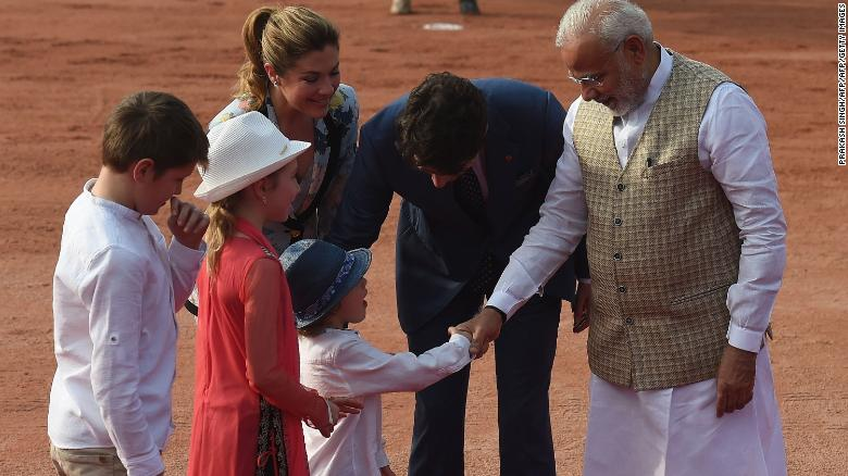 180223161612-trudeau-modi-family-exlarge-169